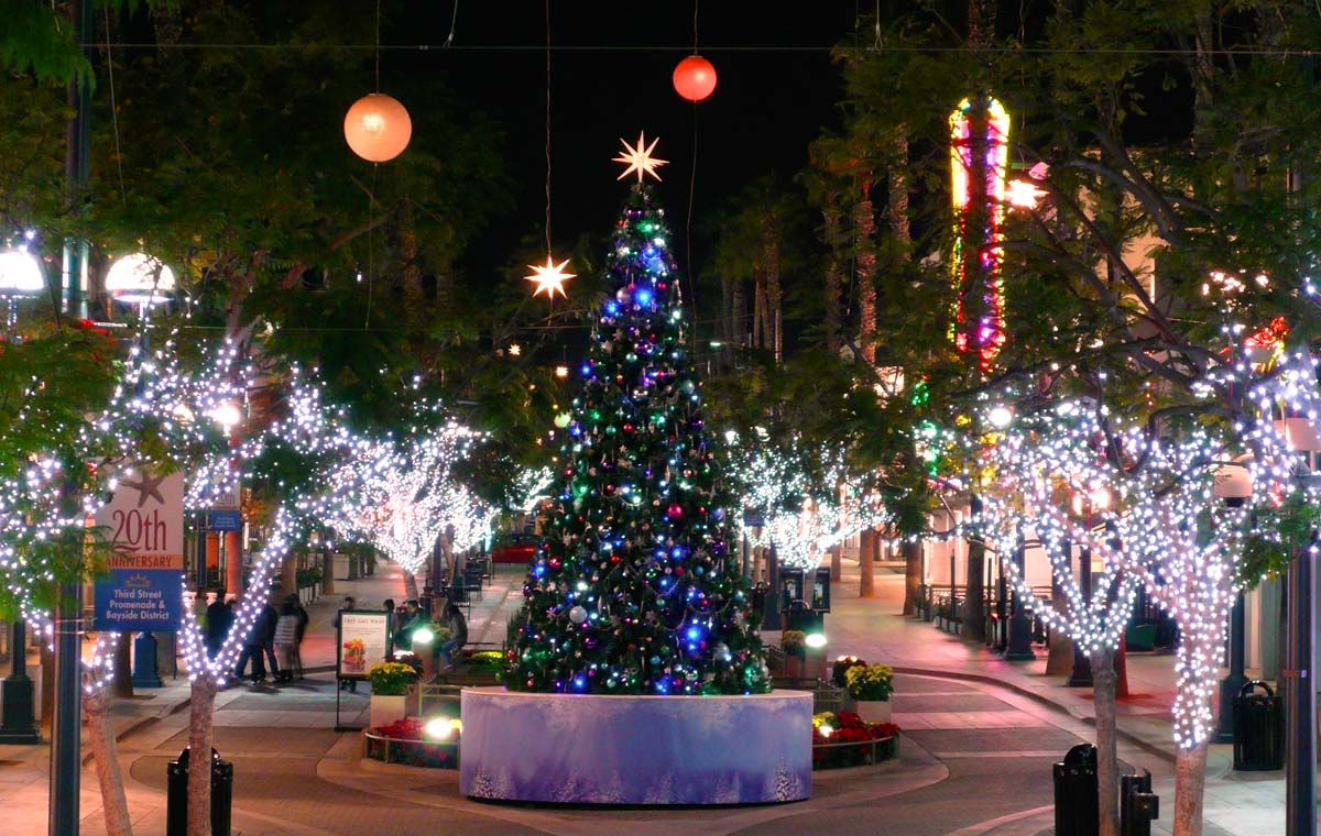 this is why cities like beverly hills burbank santa clarita and santa monica choose us to transform their streets into christmas lighting destinations - Christmas Lights In Santa Clarita